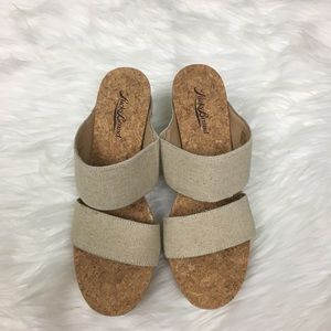 Lucky Brand Wedge Sandal Size 8M